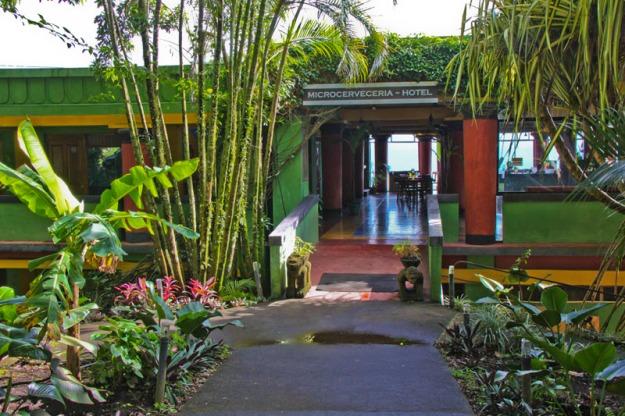 CentralAmerica2012_CostaRica_LakeArenal_002